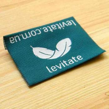 """Этикетки для матрасов """"Levitate"""" 5х5 см"""